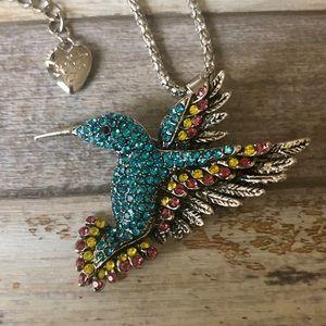 NEW✨ Betsey Johnson Hummingbird Pendant Necklace